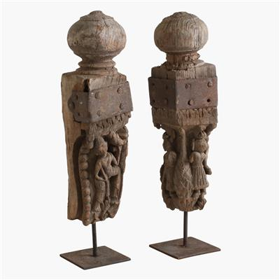 Balcony part with carved figure (pair)